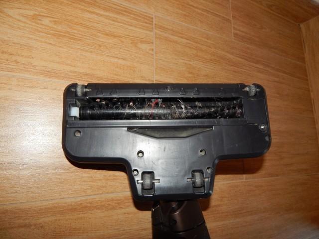 Recenze vysavače Bosch BHH Move 5 - hubice s rotačním kartáčem