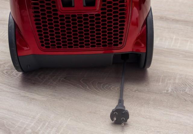 Recenze vysavače HOOVER A-Cube AC70_AC69011 - přívodní kabel
